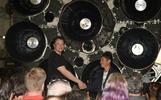 ZOZOTOWN運営会社CEO、月旅行の最初の乗客に(字幕・18日)
