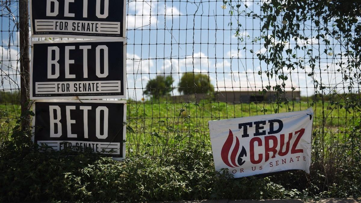 Gun-toting Texans embrace O'Rourke's gun control message