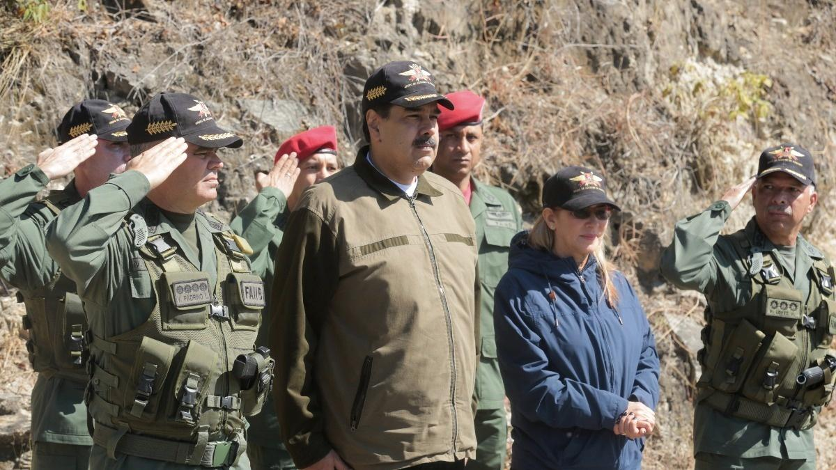 Trump ramps up pressure on Venezuela's military
