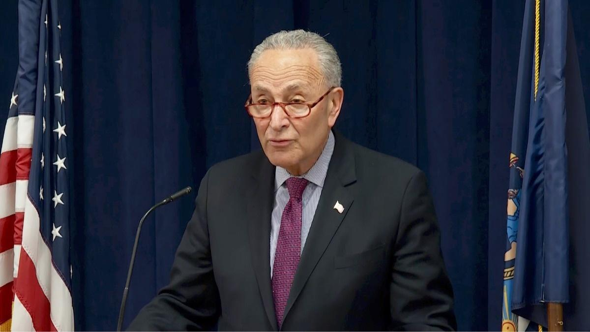 'Imperative' Mueller report made public -Schumer