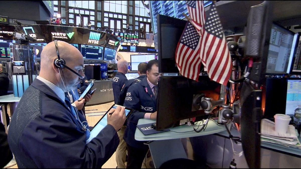 Record closing highs for S&P 500, Nasdaq