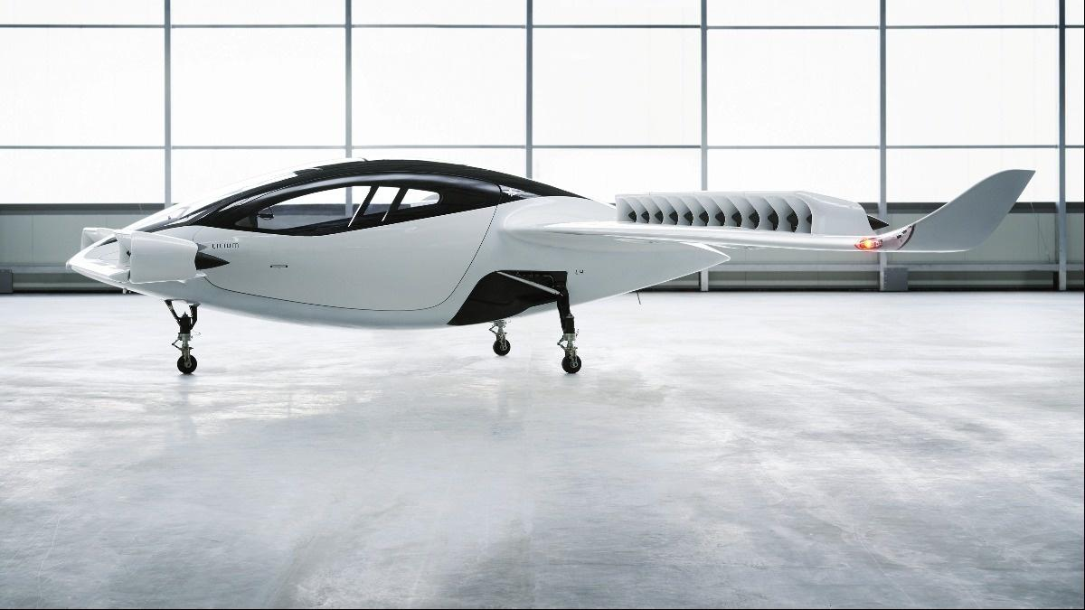 'Flying taxi' takes to the skies