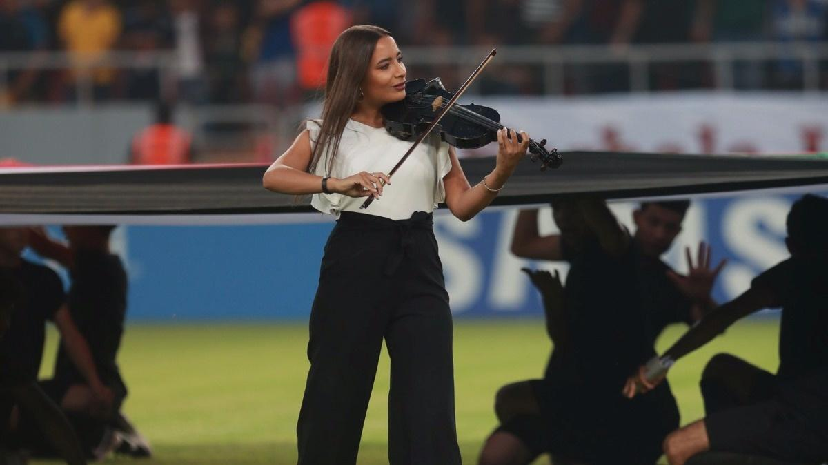 Female violinist causes fallout in Iraq | Reuters com