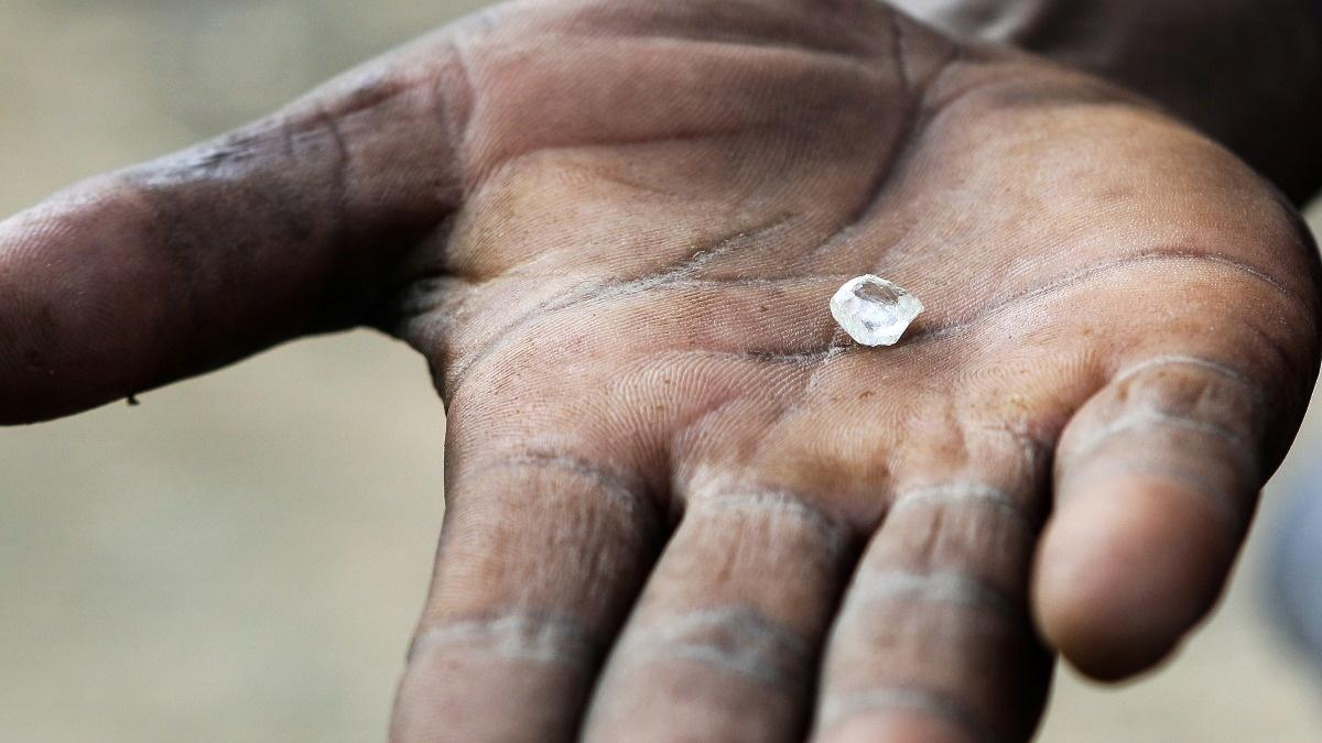A failing fight against black market diamonds