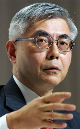 5月28日、日立製作所の古川社長は不振のHDD事業について「今年度に絶対に黒字化する」との考えを示した。写真は昨年4月に撮影(2007年 ロイター/Yuriko Nakao)