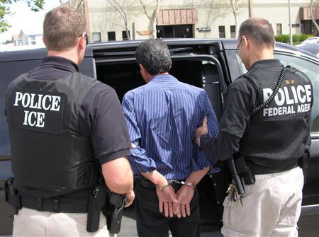 Immigration raids Koch Foods Ohio chicken plant - Reuters