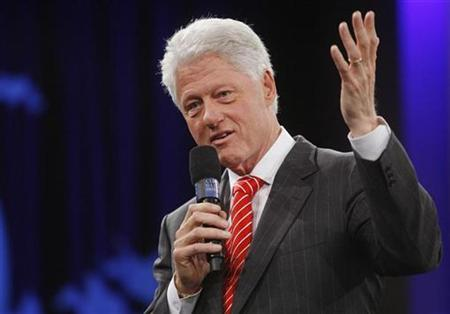 Former President Bill Clinton participates in discussions during the final event of the Clinton Global Initiative, in New York, September 28, 2007. Clinton said on Friday he could take a role promoting the United States around the world if his wife Hillary becomes president. REUTERS/Chip East