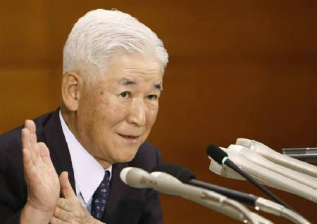 10月11日、福井俊彦日銀総裁は11日、金融政策決定会合後の記者会見で、サブプライムローン(信用度の低い借り手向け住宅ローン)問題に関連し、海外経済や国際金融市場にはまだ不確実性があるとの認識を示した(2007年 ロイター/Kim Kyung-Hoon)