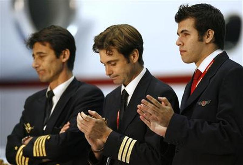 Chad frees Spanish air crew, Belgian pilot - Reuters