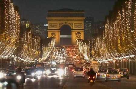 Christmas Day In France.Famed Paris Avenue Hit By Crime Reuters