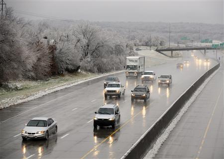 Ice storm wreaks havoc in Midwest - Reuters