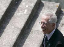 <p>Tommaso Padoa-Schioppa in una foto d'archivio. REUTERS/Miguel Vidal (PORTUGAL)</p>