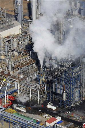 Fatal fire shuts Mitsubishi ethylene unit - Reuters