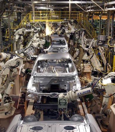 12月27日、米商務省が発表した11月の耐久財新規受注は前月比0.1%増と予想を下回った。写真は2005年にミシガン州の自動車工場で撮影(2007年 ロイター/Rebecca Cook)