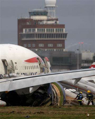 BA plane crash-lands at London's Heathrow airport | Reuters com