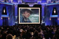 <p>Heath Ledger mostrato in video durante una serata in ricordo dell'attore, Los Angeles, 27 gennaio 2008. REUTERS/Danny Moloshok</p>