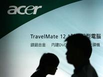 <p>Acer, troisième fabricant mondial de micro-ordinateurs, affiche un bond de 77% de son bénéfice net au quatrième trimestre 2007. /Photo d'archives/REUTERS/Nicky Loh</p>