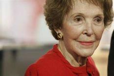 <p>Immagine d'archivio dell'ex first lady Nancy Reagan. REUTERS/Danny Moloshok (UNITED STATES)</p>