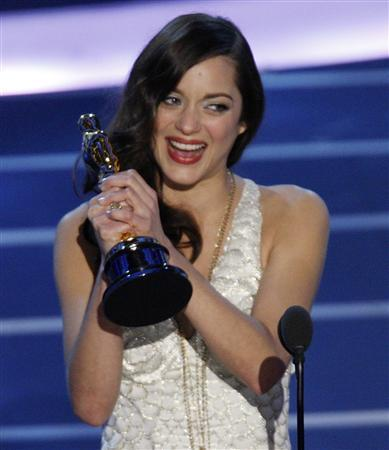French Actress Cotillard Shines At Oscars Reuters
