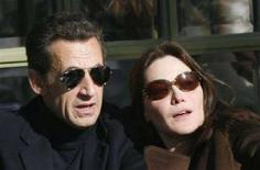 <p>Carla Sarkozy e suo marito Nicolas. REUTERS/Antoine Gyori (FRANCE)</p>