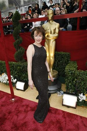 cf1f4989a08 WITNESS - Sore feet and torn dresses on Oscar's red carpet | Reuters.com