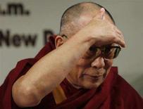 <p>Il leader spirituale tibetano, il Dalai Lama. REUTERS/Vijay Mathur (INDIA)</p>