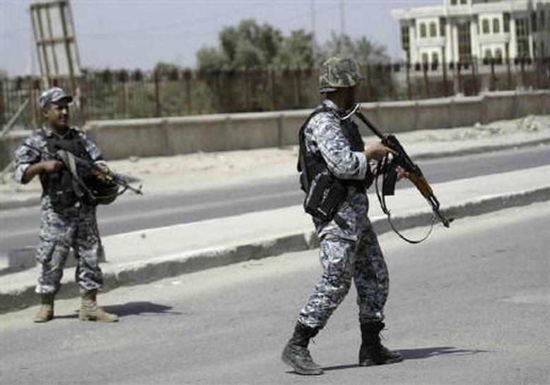 イラク南部バスラ、武装勢力と治安部隊の衝突続く | Reuters