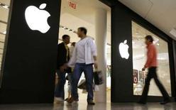 <p>Selon une étude du magazine en ligne brandchannel.com, Apple est la marque qui a l'impact le plus fort sur les consommateurs américains, tandis que l'image de Microsoft et des Etats-Unis a le plus besoin d'être dépoussiérée. /Photo prise le 22 octobre 2007/REUTERS/John Gress</p>