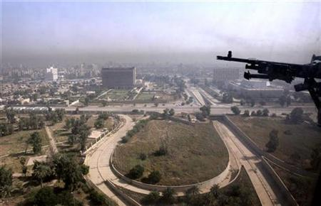 A partial view of Baghdad as seen from a United States Army helicopter, on route from Baghdad International Airport to the heavily-fortified Green Zone in Baghdad October 2, 2007. REUTERS/Lefteris Pitarakis/Pool