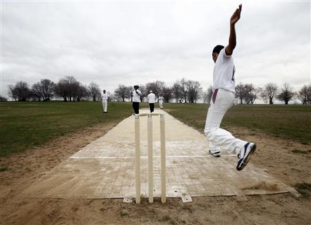 Move over Yankees? New York students take up   cricket | Reuters com