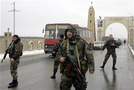 Chechen special forces guard a road in Grozny, February 19, 2008. REUTERS/Denis Sinyakov