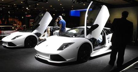 Versace To Design Lamborghini Bags Interiors Reuters Com
