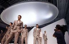 <p>La collezione uomo Gianfranco Ferre'presentata il 22 giugno 2008 REUTERS/Stefano Rellandini</p>
