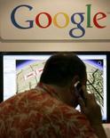 <p>Le spécialiste de la cartographie numérique Tele Atlas annonce un contrat de cinq ans avec Google, qui lui permettra aussi de bénéficier de l'expertise des utilisateurs du moteur de recherche internet pour déceler d'éventuelles erreurs sur ses cartes. /Photo d'archives/REUTERS/Mike Blake</p>