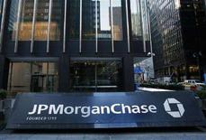<p>La sede di JP Morgan and Chase di New York. REUTERS/Shannon Stapleton (Usa)</p>