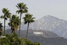 <p>La celeberrima insegna di Hollywood a Los Angeles. REUTERS/Danny Moloshok (UNITED STATES)</p>