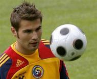 <p>Adrian Mutu in una foto d'archivio. REUTERS/Arnd Wiegmann (SWITZERLAND)</p>