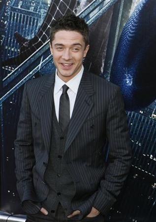 Actor Topher Grace arrives to attend the premiere of the film ''Spiderman 3'' during the Tribeca Film Festival in New York April 30, 2007. REUTERS/Lucas Jackson
