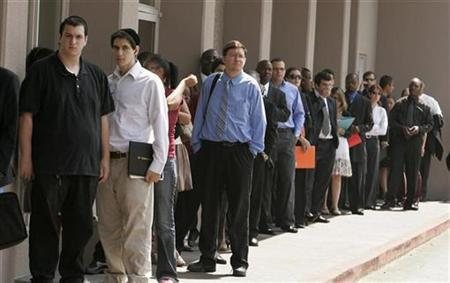 A line of job seekers stretches out of a hotel doorway as they wait to enter a Monster.com job fair in Los Angeles, California July 23, 2008. REUTERS/Fred Prouser