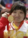 <p>Guo Wenjun con la medaglia d'oro. REUTERS/China Daily</p>