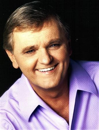 Singer and actor Jerry Reed, best known as ''The Guitar Man'' of country music, is seen in this undated handout. Reed died at age 71 from complications from emphysema September 1, 2008, according to Country Music Television in Nashville. REUTERS/Courtesy Third Coast Talent/Handout