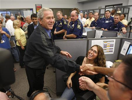 Bush surveys Gustav response as evacuees head home