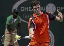 <p>Россиянин Теймураз Габашвили в матче против испанца Карлоса Мойи на теннисном турнире в Мадрасе, Индия, 1 января 2008 года. Россиянин Теймураз Габашвили вышел в третий круг турнира Romania Open. REUTERS/Babu</p>