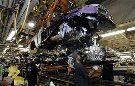 Chrysler to offer buyouts to Detroit UAW workers   Reuters