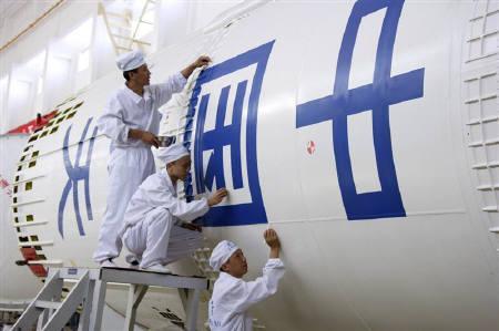 9月24日、中国が「神舟7号」打ち上げへ。写真は神舟7号の打ち上げに使用するロケット。6日、甘粛県で撮影。(2008年 ロイター)