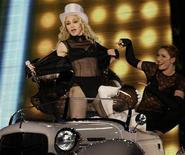 <p>Madonna in concerto. REUTERS/Leonhard Foeger</p>