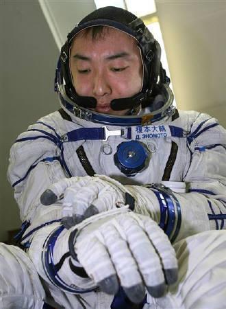 9月25日、宇宙旅行断念の榎本氏が旅行代金の返還求め提訴。2006年7月ロシアで撮影(2008年 ロイター/Sergei Remezov)