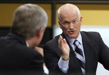 <p>New Democratic Party leader Jack Layton (R) debates with Canadian Prime Minister Stephen Harper during the French leaders' debate in Ottawa, October 1, 2008. Canadians will head to the polls in a federal election October 14. REUTERS/Chris Wattie</p>