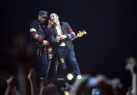 British rock band Coldplay performs during a concert as part of their European Viva La Vida tour in Budapest in this September 23, 2008 file photo. REUTERS/Karoly Arvai
