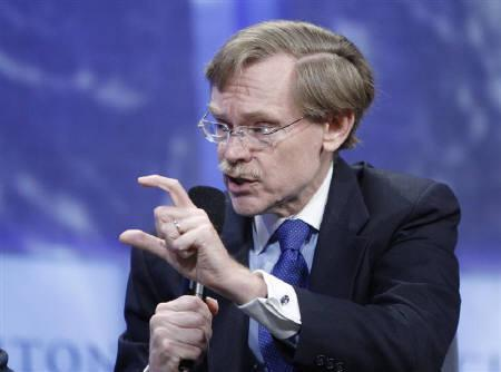 President of The World Bank Group Robert Zoellick participates in a panel discussion during the Clinton Global Initiative in New York September 25, 2008, file photo. REUTERS/Chip East